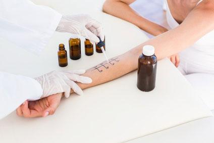 Hauttest zur Allergiediagnose am Arm - erst nach der Schwangerschaft