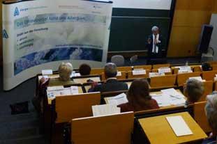 Prof. Schmid-Grendelmeier beim Patientenforum Allergie 2019