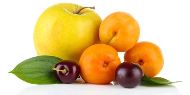 Äpfeln, Kirschen und Aprikosen - Nahrungsmittel mit Risiko zu Kreuzallergie ©Africa Studio/stock.adobe.com