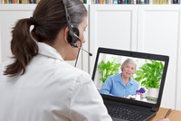 Telemedizin - Ärztin hat Videosprechstunde mit Patient  - ©Agenturfotografin - stock.adobe.com