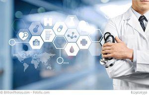 Antikörper sollten von erfahrenen Ärzten verordnet werden: Bild: Arzt hält Stethoskop, neben ihm befinden sich einige Icons mit medizinischen Dingen (Tablette, Arztkoffer, Blutstropfen etc.)