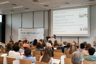 Der Allergieinformationsdienst begrüßt die Teilnehmerinnen und Teilnehmer des Patientenforums Allergie 2018 in München