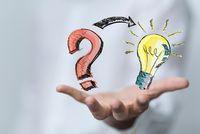 Fragezeichen und Glühbirne auf einer Hand - FAQs - ©vegefox.com - stock.adobe.com